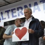 Gay: Pisapia sul palco a fine manifestazione a Milano (Foto Ansa)