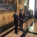 La conferenza stampa del premier e del sindaco dopo l'incontro con l'esecutivo (Foto Omnimilano)